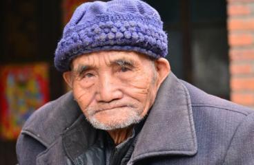 """""""想回家看看""""千里回家路九旬抗战老兵走了77年"""