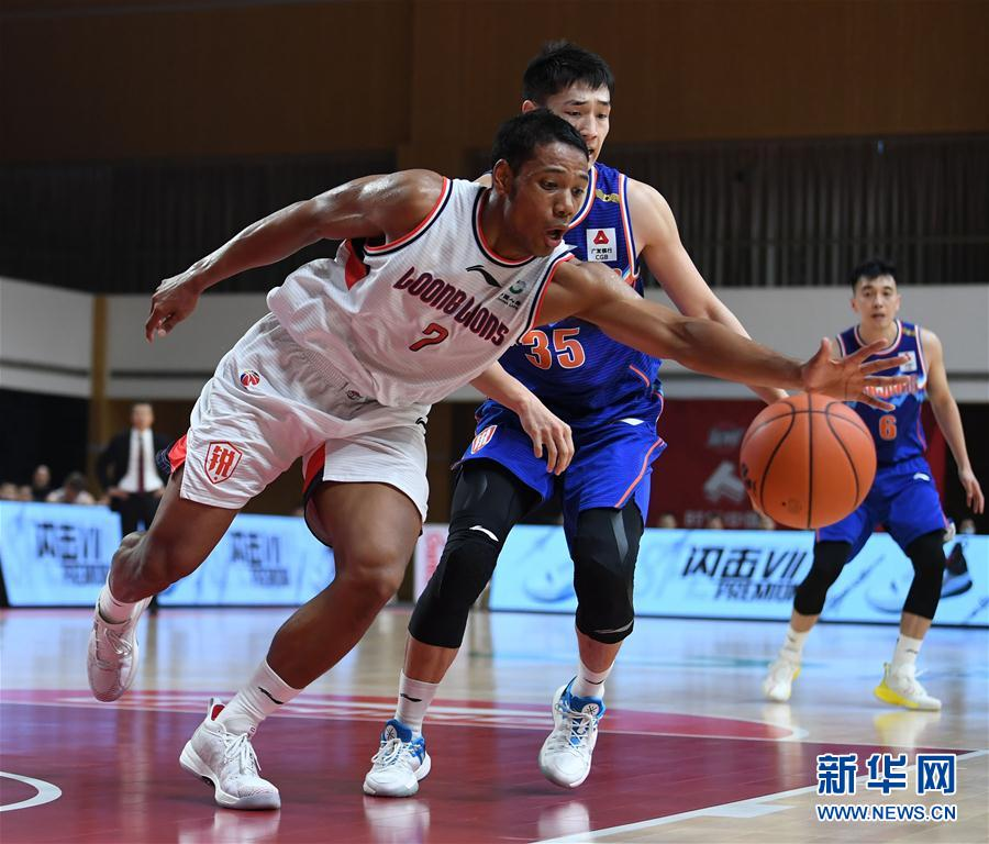 (Sports) (6) Basketball-CBA Phase I: Xinjiang Yili Te wins the era, Guangzhou, China